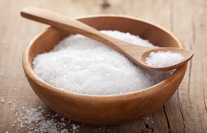 درمان آبریزش بینی با آب نمک