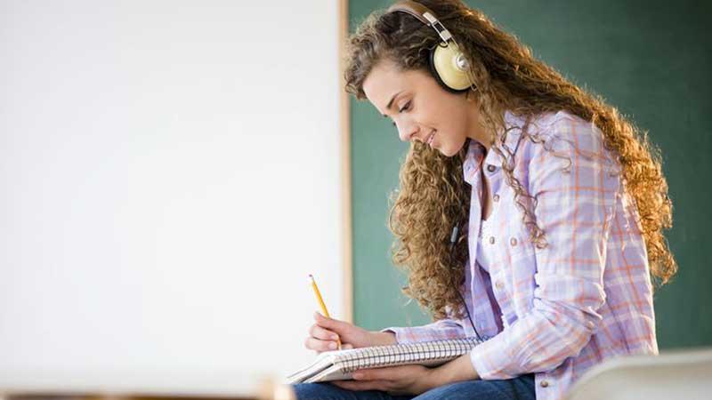 برای تقویت حافظه شنیداری خود چه کنیم؟