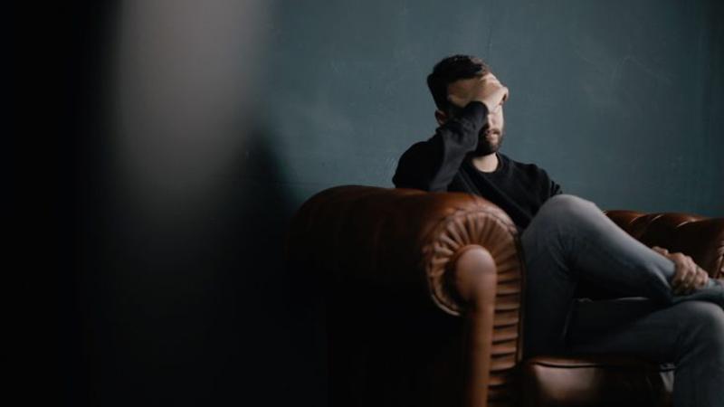 خودارضایی پسران ؛ عوارض و ضررهای این انحراف جنسی،درمان و ترک خودارضایی در پسران