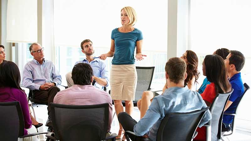 شرکت در جلسه رسمی