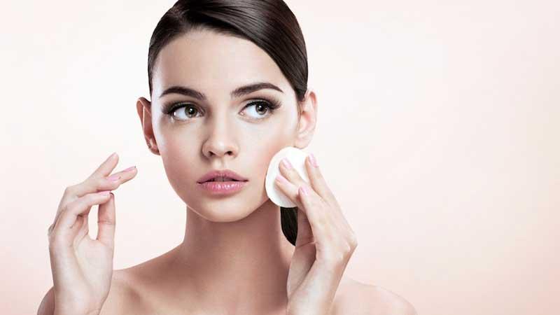 کرم پاک کننده برای انواع پوست در فصل زمستان