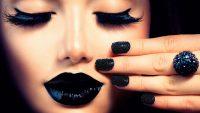 راهنمای انتخاب لاک ناخن مناسب با رنگ پوست شما