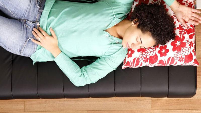 خواب بعد از ظهر خوب است یا بد؟ بررسی چرت روزانه از نظر طب آیورودا