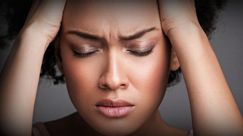 همه چیز در مورد میگرن چشمی ، شناخت علت، علائم و روش های درمان