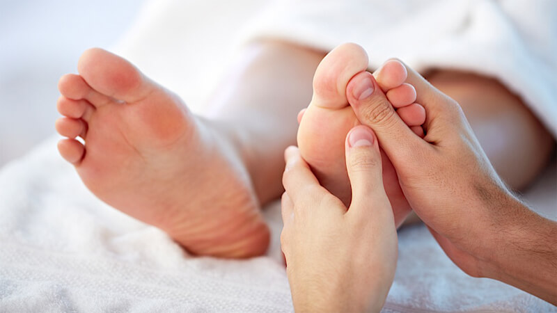علت درد کف پا و سوزش کف پا و داغ شدن کف پا و روش های درمان آن