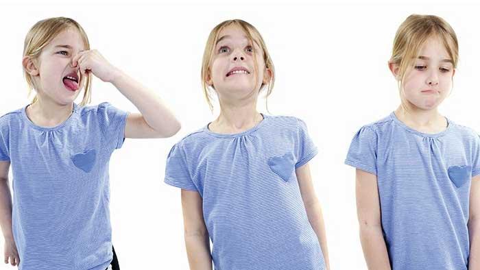 علت تیک عصبی کودکان