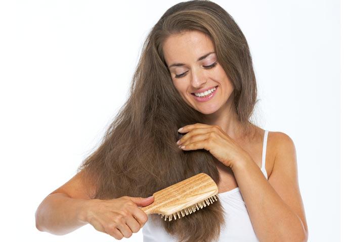 شانه زدن موی بلند