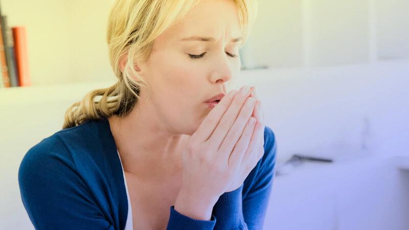 بررسی درمان سرفه به روش های خانگی و پزشکی و علت بروز آنها