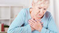 علائم حمله قلبی : 12 نشانه زودهنگام که شما را از بروز حمله قلبی آگاه می کند