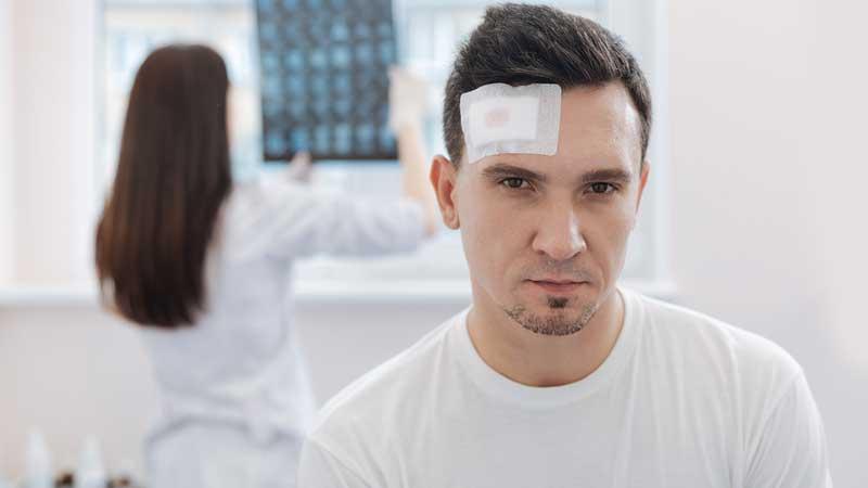 ضربه به سر ؛ بررسی انواع صدمات وارده و درمان آنها