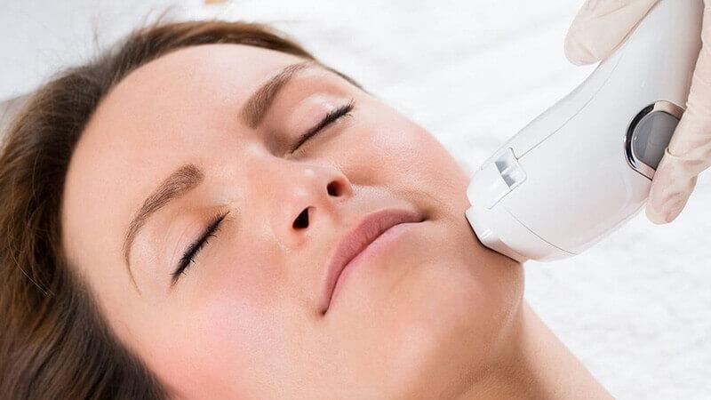 دستگاه لیزر خانگی و کاربرد آن در رفع موهای زائد صورت و بدن