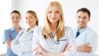 دکتر بواسیر چه متخصصی است و چه زمانی باید برای درمان مراجعه کرد؟