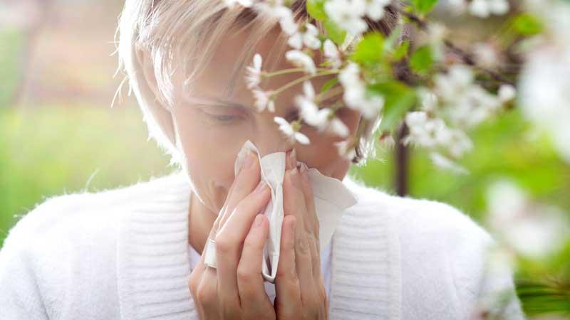 علائم حساسیت فصلی و ارتباط آن با خارش چشم ها
