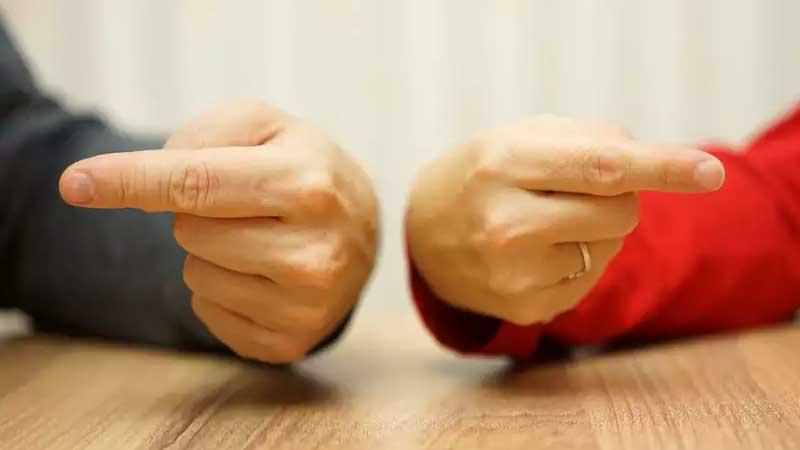 راهکار های تعامل و رفتار صحیح با همکاران و افراد خودخواه در محیط کار