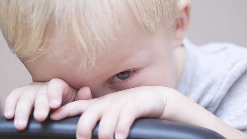 کودک خجالتی؛ افزایش مهارت برقراری ارتباط در کودکان کمرو