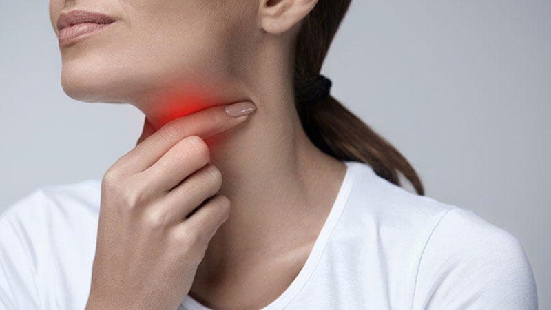 علائم و روش های درمان گلودرد و تورم لوزه ها