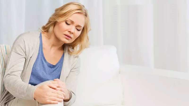پوکی استخوان چیست و چه علائمی دارد؟ آشنایی با علائم هشدار دهنده