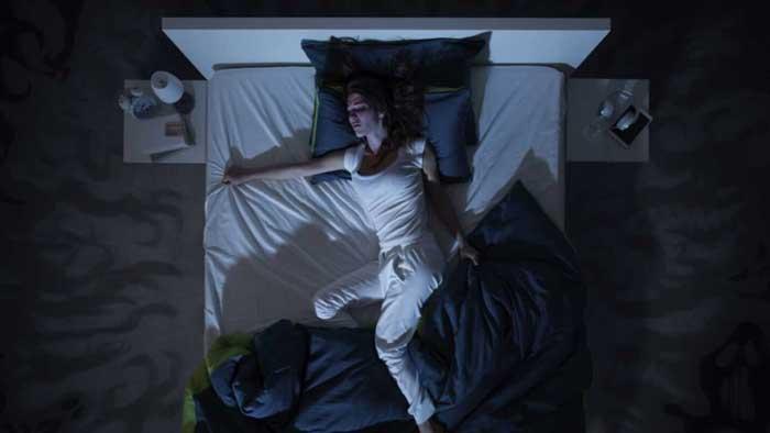 بی خوابی مزمن از عوارض گرگرفتگی یائسگی